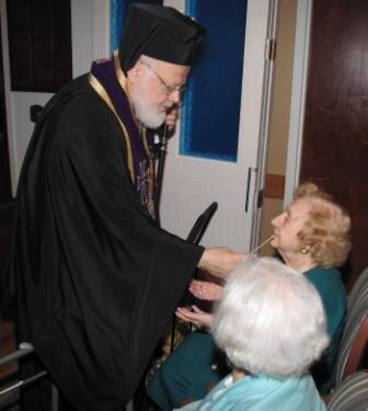 Metropolitan Methodios Visits Hellenic Nursing Home ...
